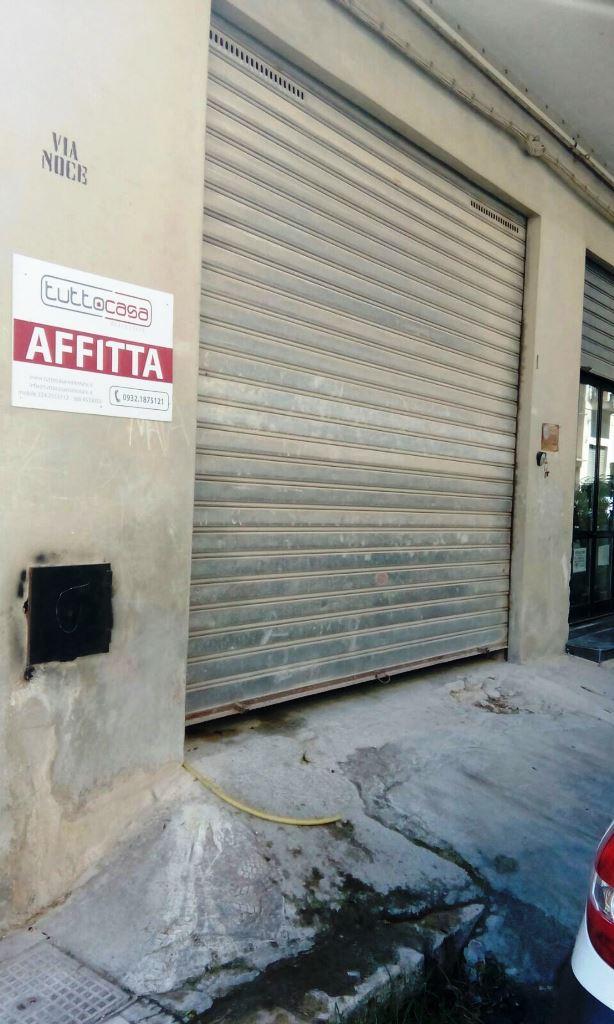 Negozio / Locale in affitto a Scicli, 9999 locali, zona Zona: Iungi, prezzo € 700 | CambioCasa.it