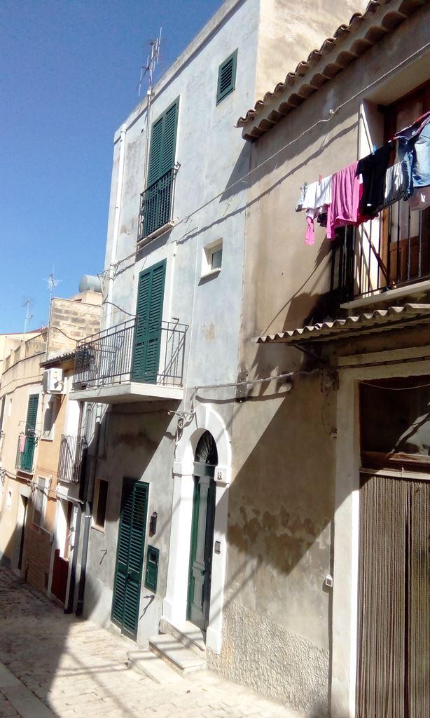 Soluzione Indipendente in vendita a Scicli, 4 locali, zona Zona: Scicli, prezzo € 120.000 | CambioCasa.it