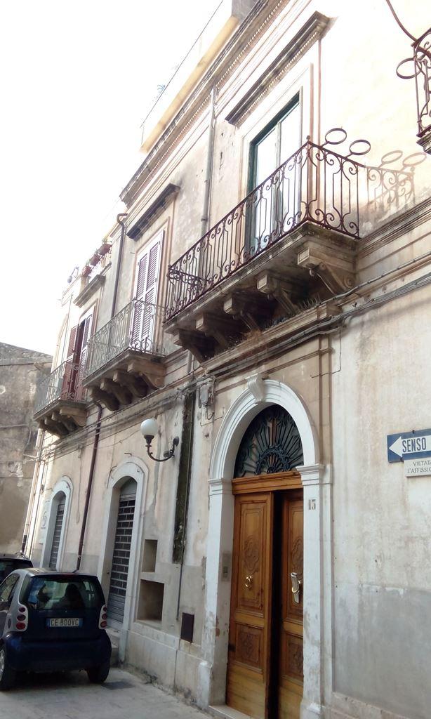 Appartamento in vendita a Scicli, 4 locali, zona Zona: Scicli, Trattative riservate | CambioCasa.it
