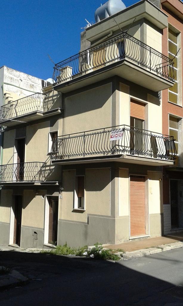 Soluzione Indipendente in vendita a Comiso, 4 locali, prezzo € 40.000 | CambioCasa.it