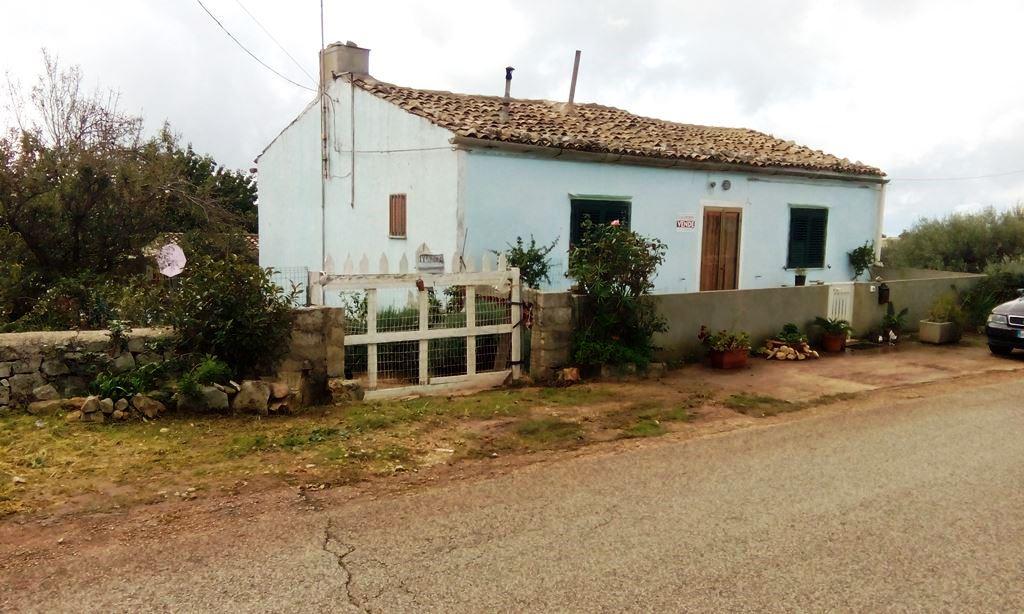 Soluzione Indipendente in vendita a Modica, 3 locali, zona Località: Contrade, prezzo € 130.000 | Cambio Casa.it