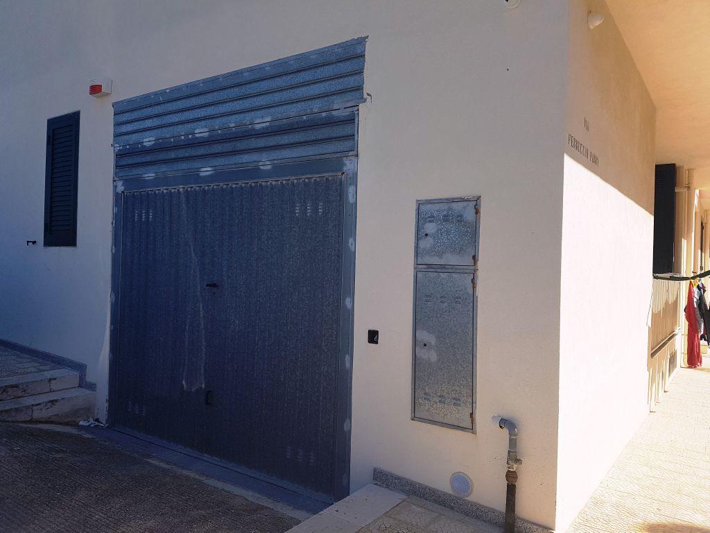 Box / Garage in vendita a Scicli, 1 locali, zona Zona: Iungi, prezzo € 18.000   CambioCasa.it