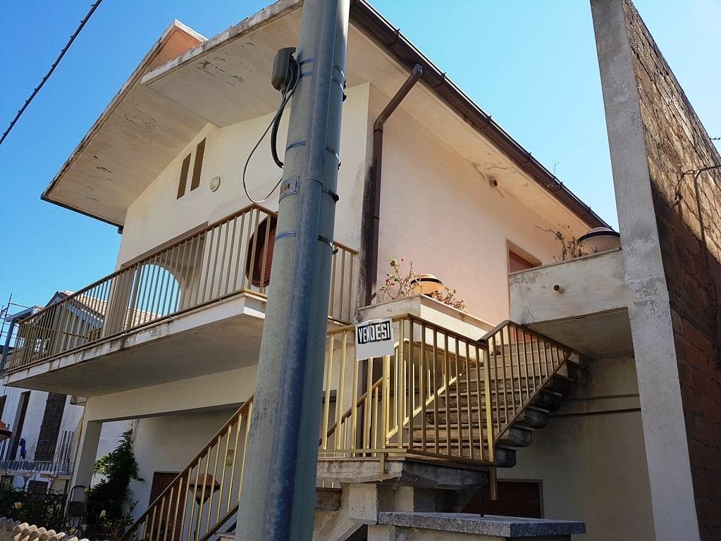 Appartamento in vendita a Scicli, 5 locali, zona Zona: Sampieri, prezzo € 220.000 | CambioCasa.it