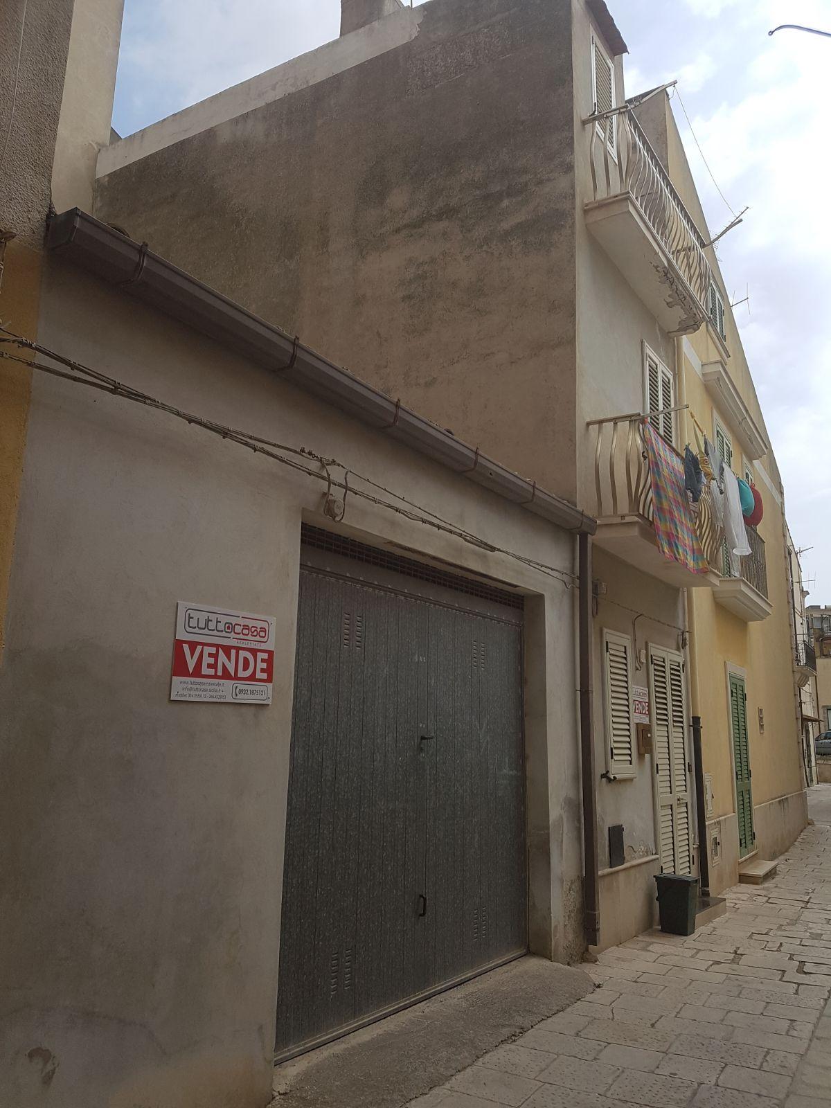 Box / Garage in Vendita a Scicli