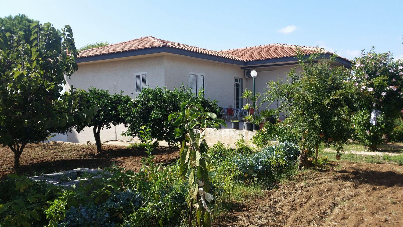 Villa in vendita a Scicli, 4 locali, zona Località: CavadAliga, prezzo € 330.000 | CambioCasa.it
