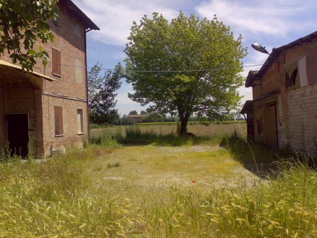 Rustico / Casale in vendita a Modena, 20 locali, zona Zona: Baggiovara, Trattative riservate | CambioCasa.it