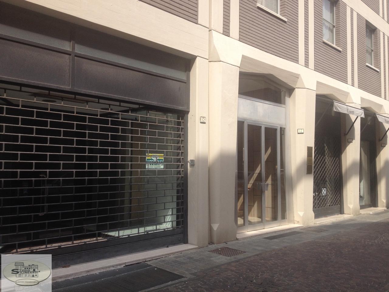 Negozio / Locale in affitto a Sassuolo, 9999 locali, zona Zona: Centro, prezzo € 850 | Cambio Casa.it