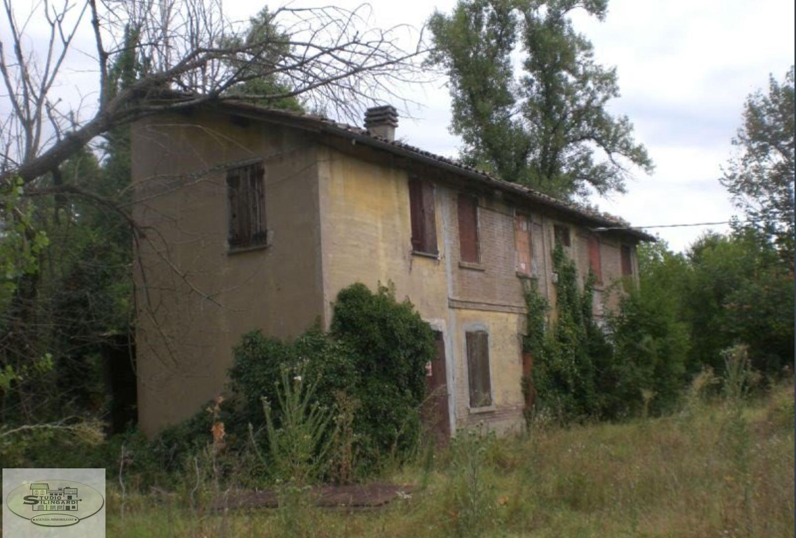 Rustico / Casale in vendita a Formigine, 10 locali, zona Zona: Casinalbo, prezzo € 360.000 | CambioCasa.it