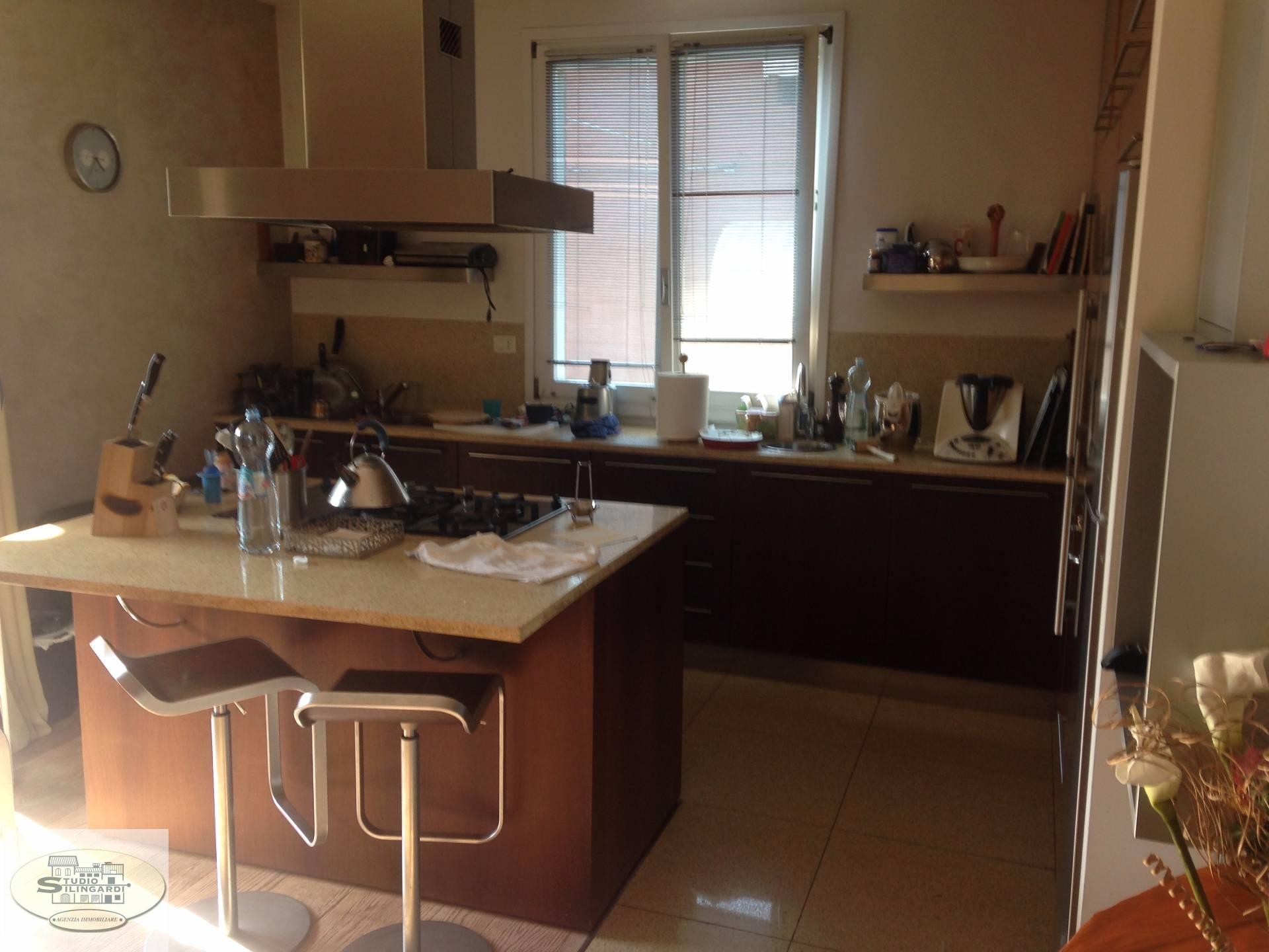 Villa in vendita a Formigine, 15 locali, zona Località: Formigine, Trattative riservate | Cambio Casa.it