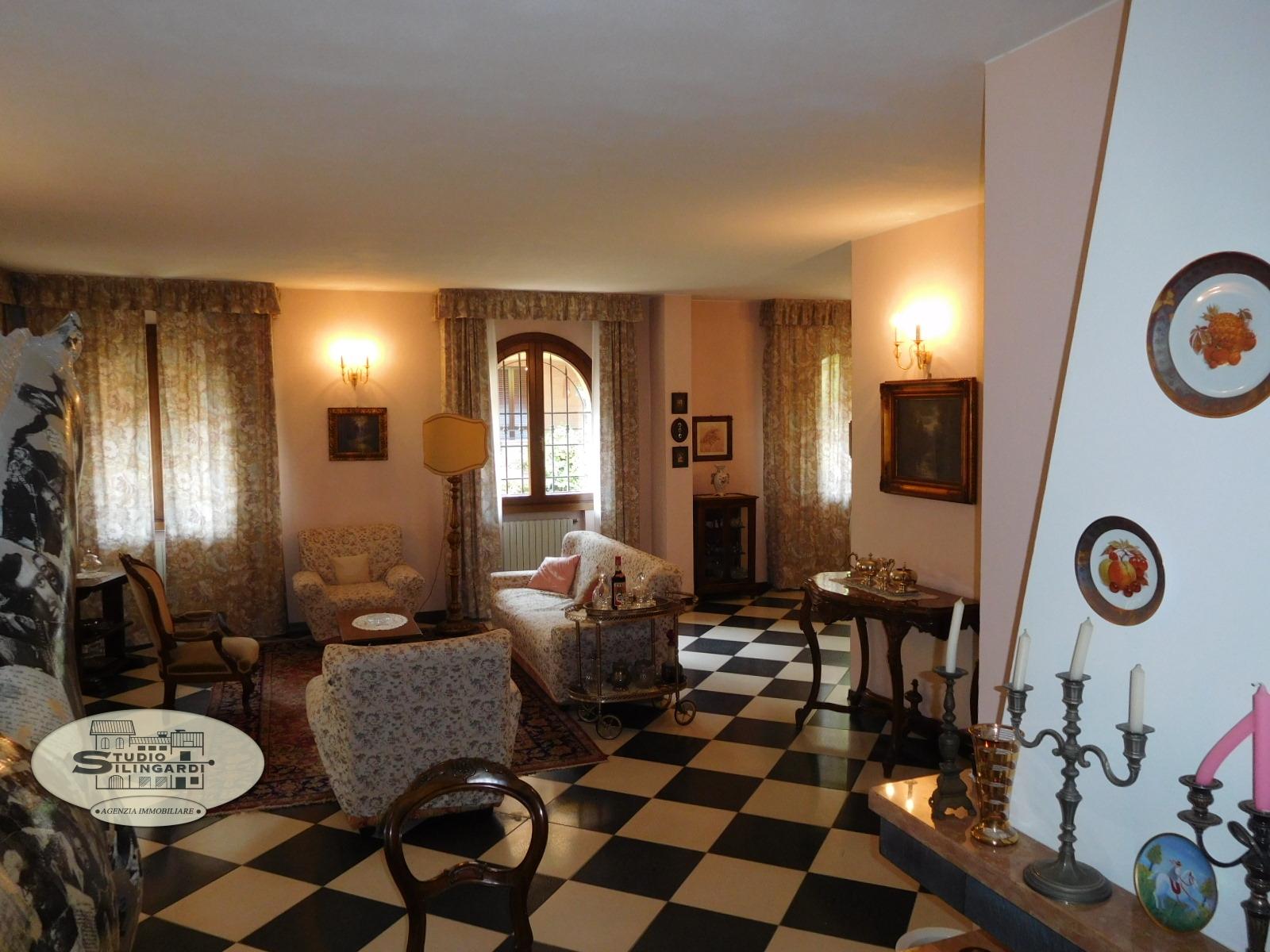Villa in vendita a Formigine, 6 locali, zona Località: Formigine, Trattative riservate | CambioCasa.it