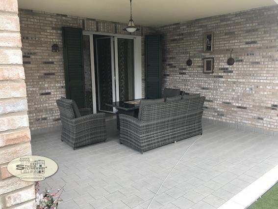 Appartamento in vendita a Castelnuovo Rangone, 4 locali, zona Zona: Montale, prezzo € 450.000 | CambioCasa.it