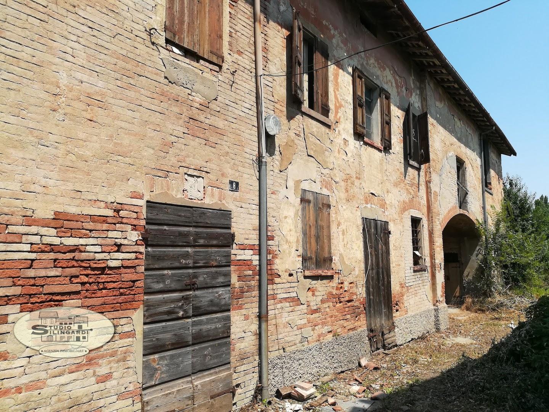 Rustico / Casale in vendita a Formigine, 35 locali, zona Località: Formigine, Trattative riservate | CambioCasa.it