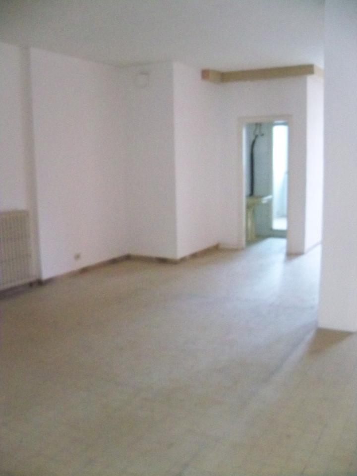 Attività / Licenza in affitto a Empoli, 9999 locali, prezzo € 2.000   CambioCasa.it
