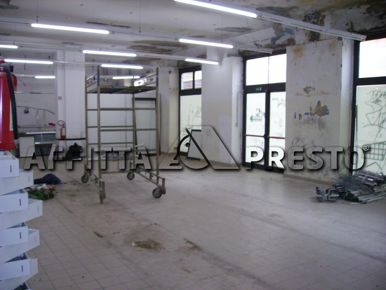 Attività / Licenza in affitto a Livorno, 9999 locali, zona Località: PortaaMare, prezzo € 3.000   Cambio Casa.it