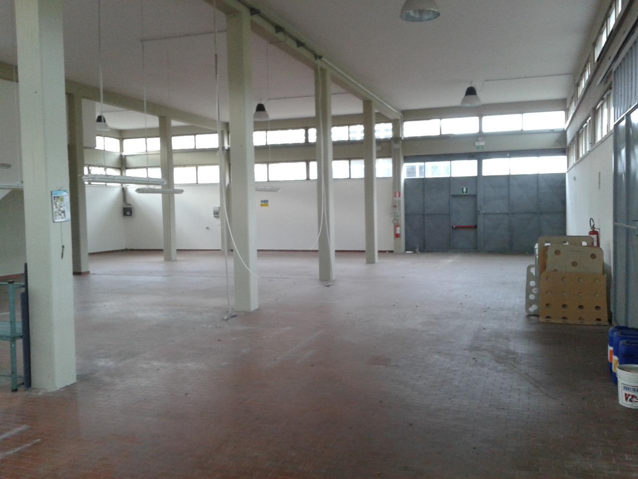 Capannone in affitto a Cerreto Guidi, 9999 locali, zona Località: SanZio, prezzo € 1.600 | Cambio Casa.it