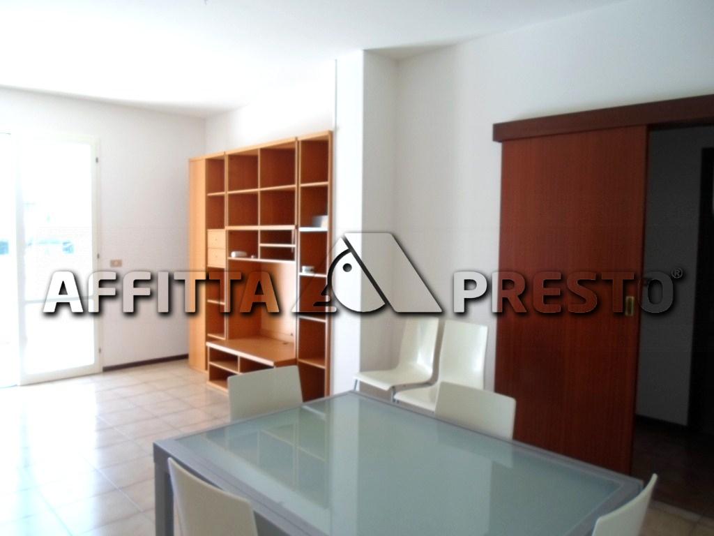 Appartamento in affitto a Cesena, 3 locali, zona Località: CASEFINALI, prezzo € 550 | Cambio Casa.it