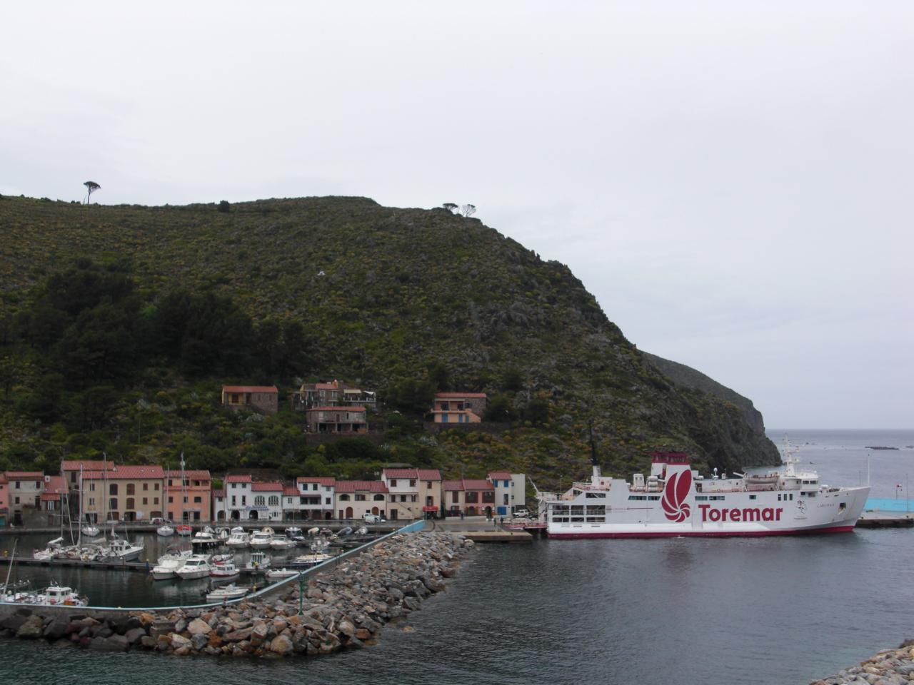 Soluzione Indipendente in affitto a Capraia Isola, 4 locali, prezzo € 450 | Cambio Casa.it