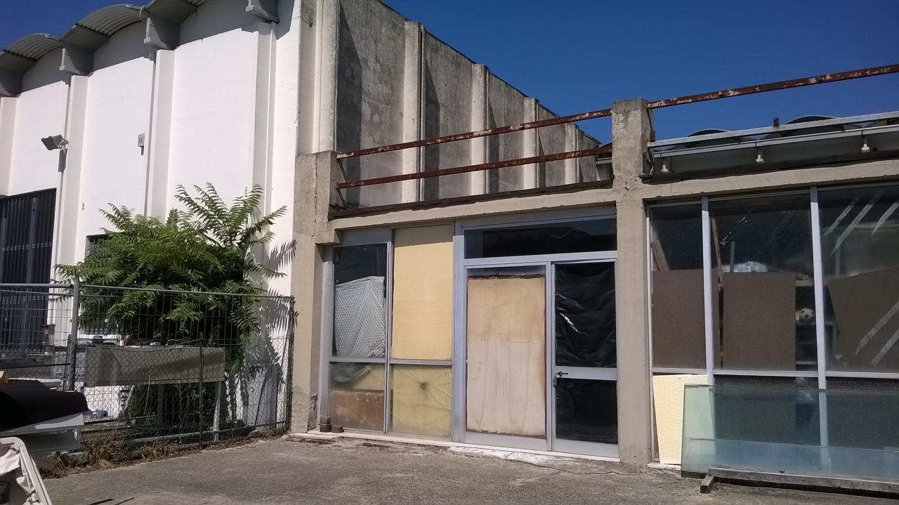 Capannone in affitto a Empoli, 9999 locali, zona Località: Terrafino, prezzo € 1.600 | Cambio Casa.it