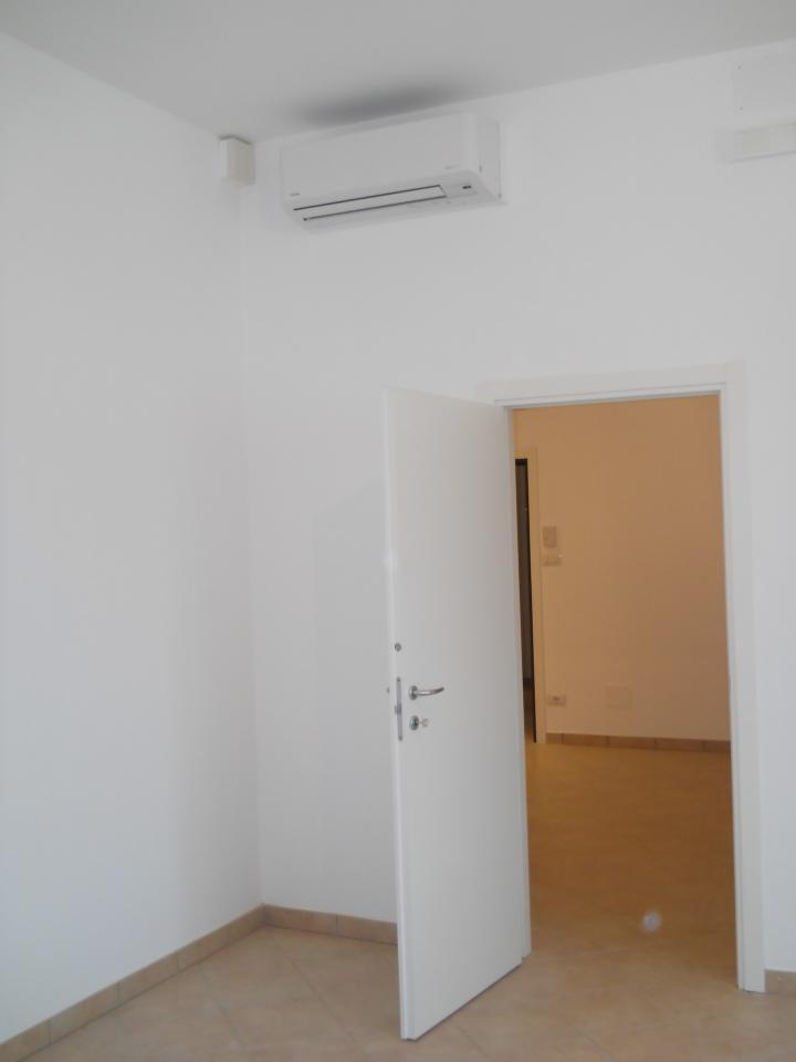Ufficio / Studio in affitto a Faenza, 9999 locali, zona Località: CENTRO, prezzo € 750 | Cambio Casa.it