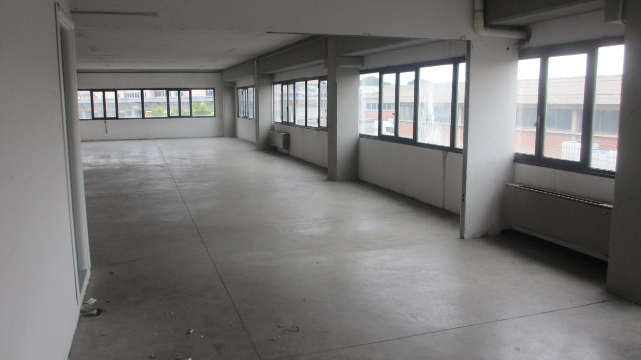 Capannone in affitto a Empoli, 9999 locali, prezzo € 1.350 | Cambio Casa.it