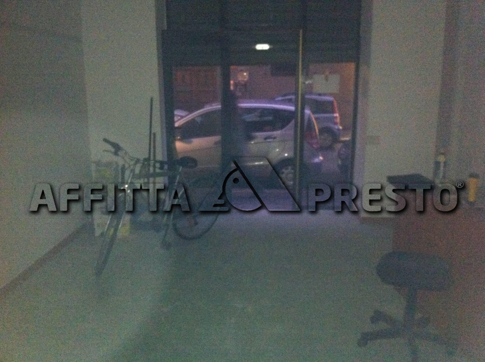 Attività / Licenza in affitto a Livorno, 9999 locali, zona Località: PortaaMare, prezzo € 650   Cambio Casa.it