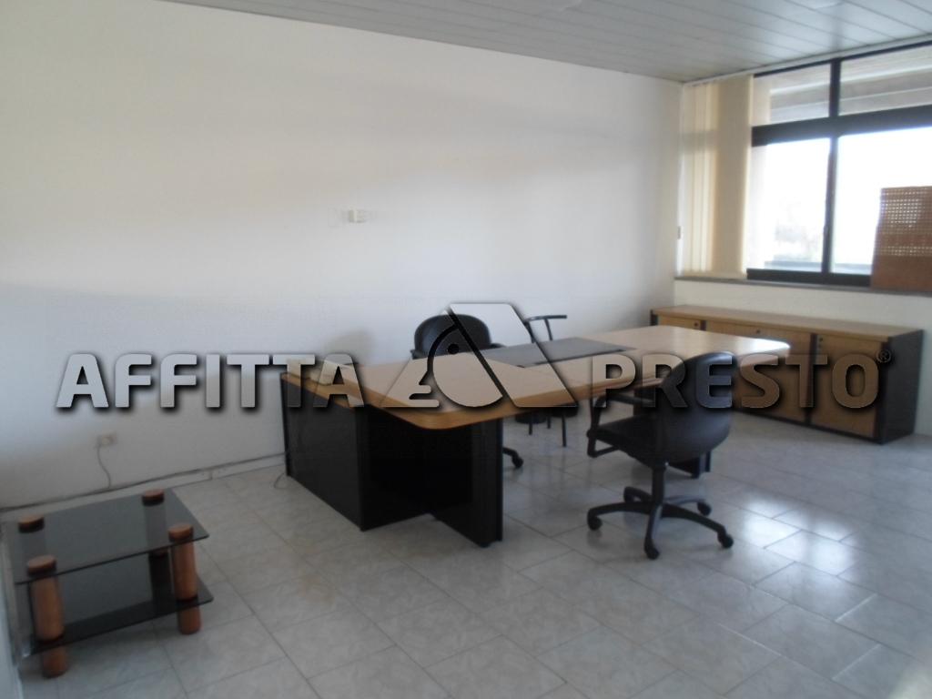 Ufficio / Studio in affitto a Cesena, 9999 locali, zona Località: Architettura, prezzo € 600 | Cambio Casa.it