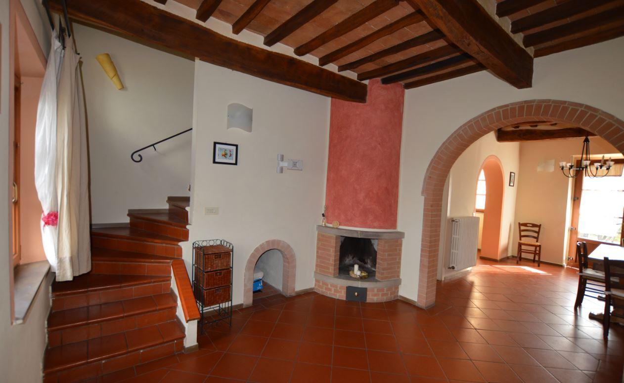 Soluzione Indipendente in affitto a Gambassi Terme, 4 locali, prezzo € 530 | Cambio Casa.it