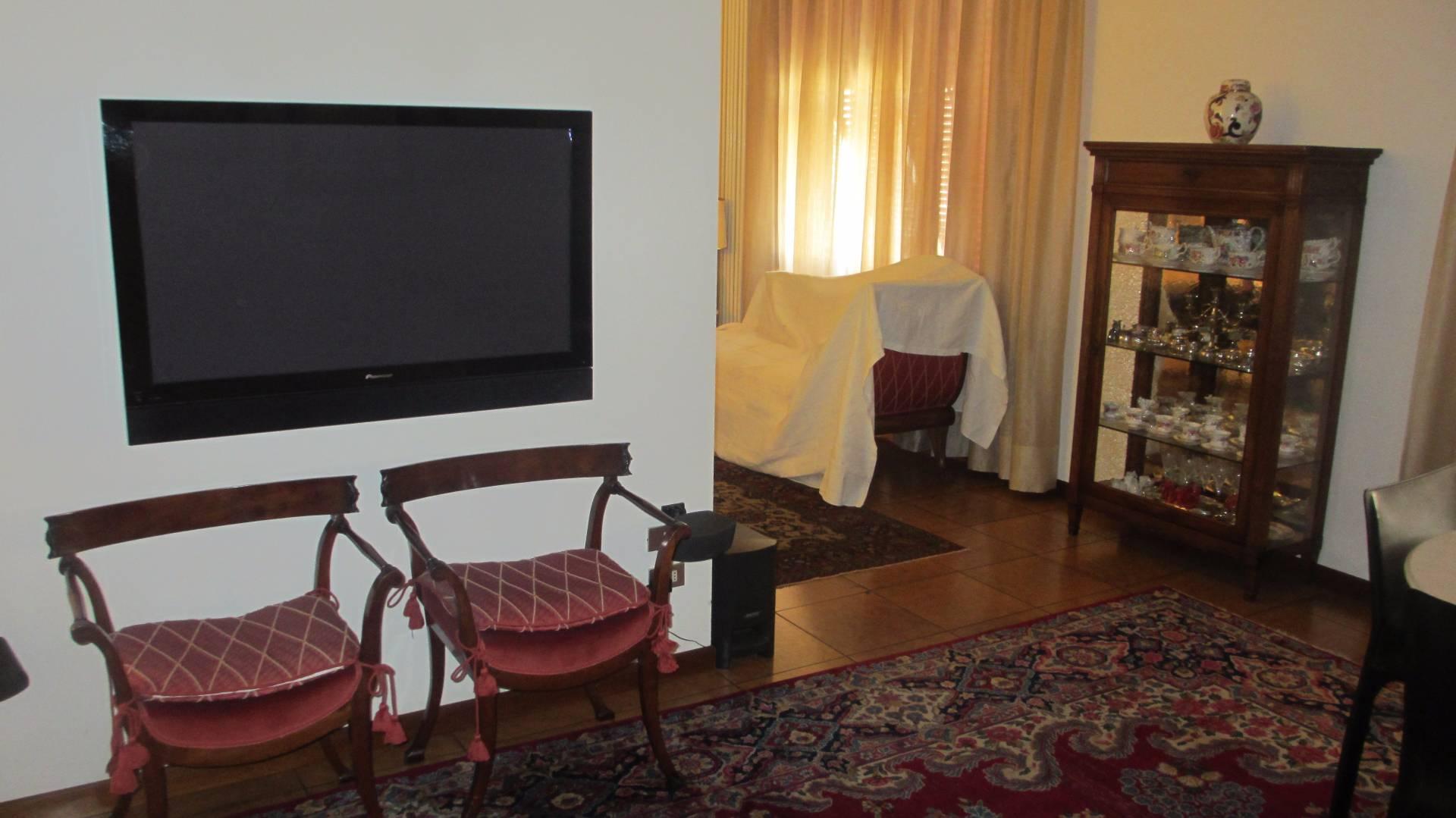 Attico / Mansarda in affitto a Empoli, 7 locali, prezzo € 2.300 | Cambio Casa.it