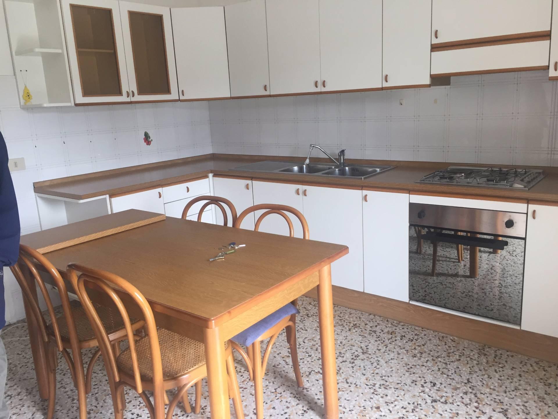 Appartamento in affitto a Gambassi Terme, 2 locali, prezzo € 350 | Cambio Casa.it