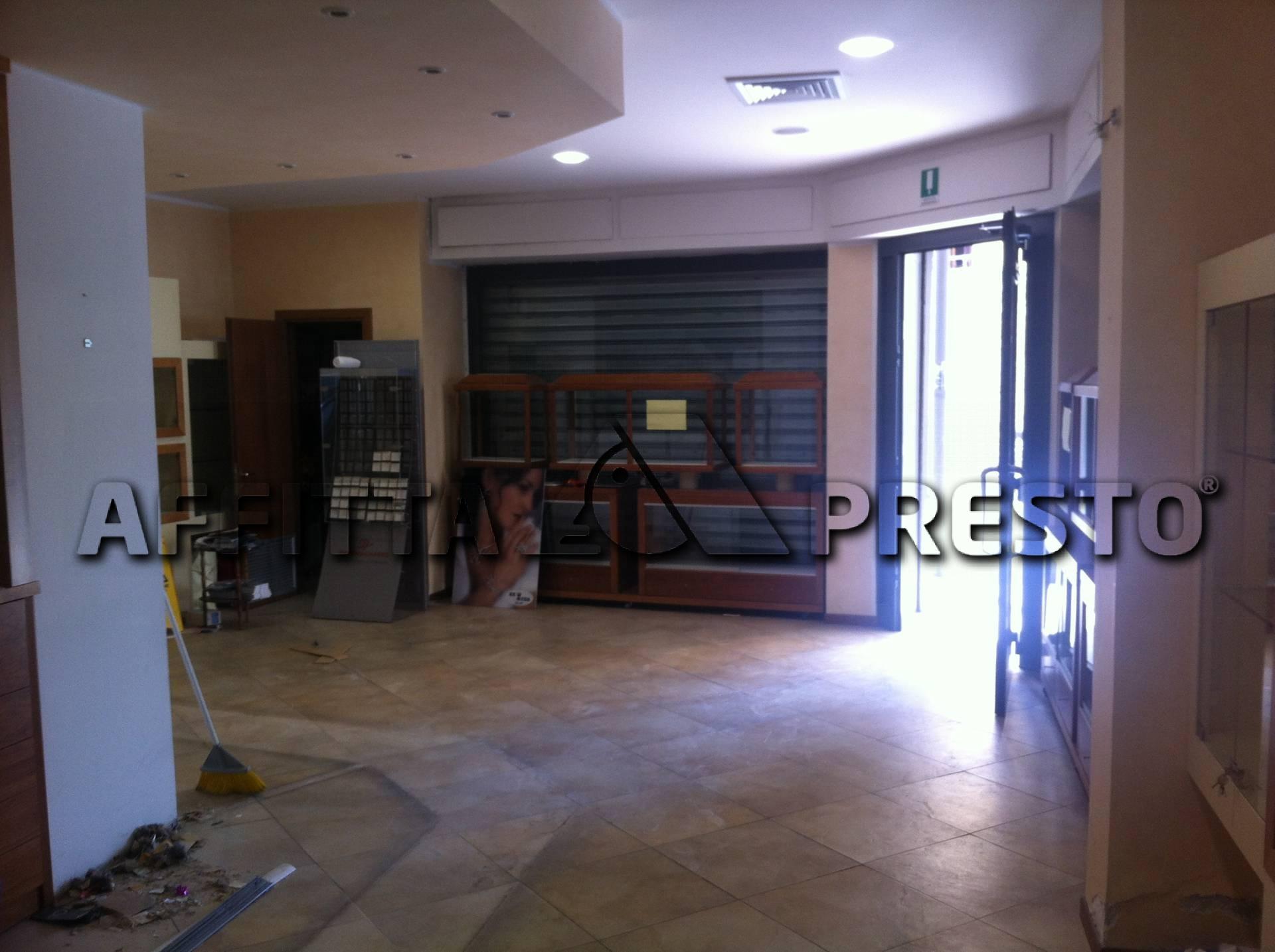 Attività / Licenza in affitto a Livorno, 9999 locali, zona Località: PortaaMare, prezzo € 1.800   Cambio Casa.it