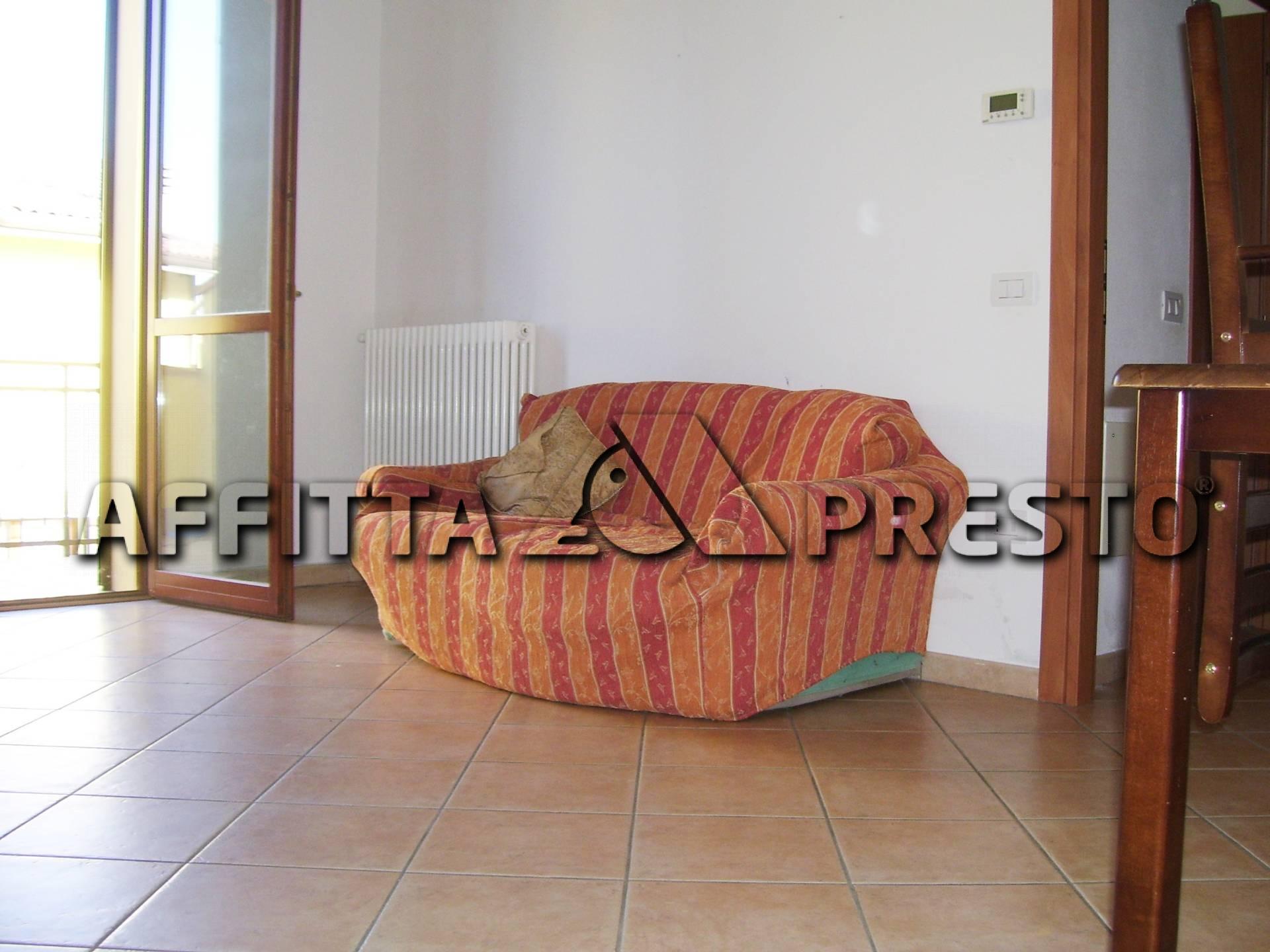 Villa in affitto a Ravenna, 3 locali, zona Località: VillanovadiRavenna, prezzo € 450 | Cambio Casa.it