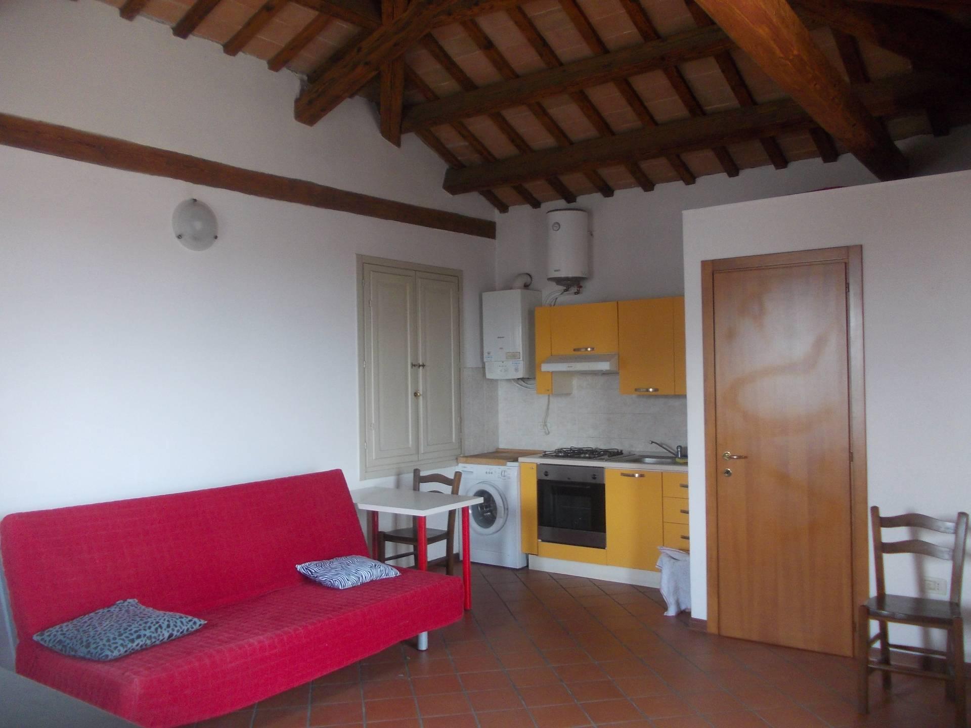 Appartamento in affitto a Faenza, 2 locali, zona Località: CENTRO, prezzo € 390 | Cambio Casa.it