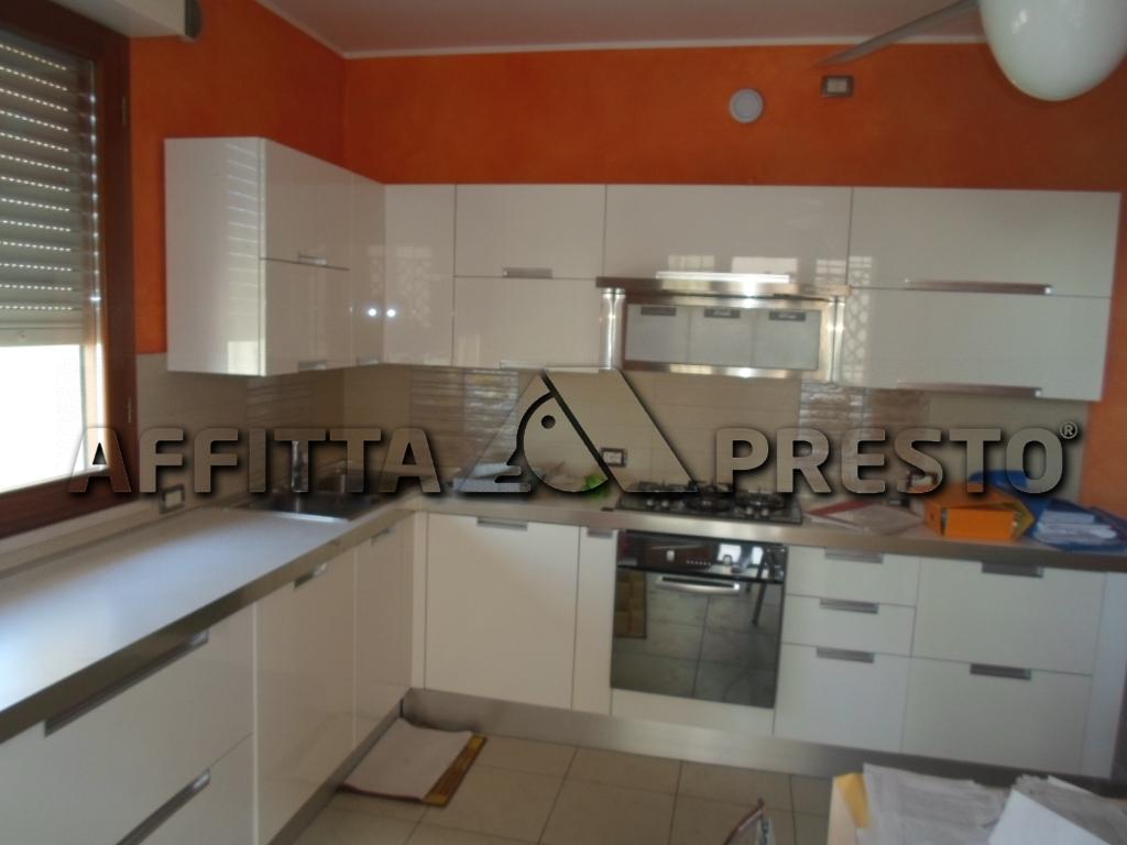 Appartamento in affitto a Cesena, 3 locali, zona Località: CesareBattisti, prezzo € 800 | Cambio Casa.it