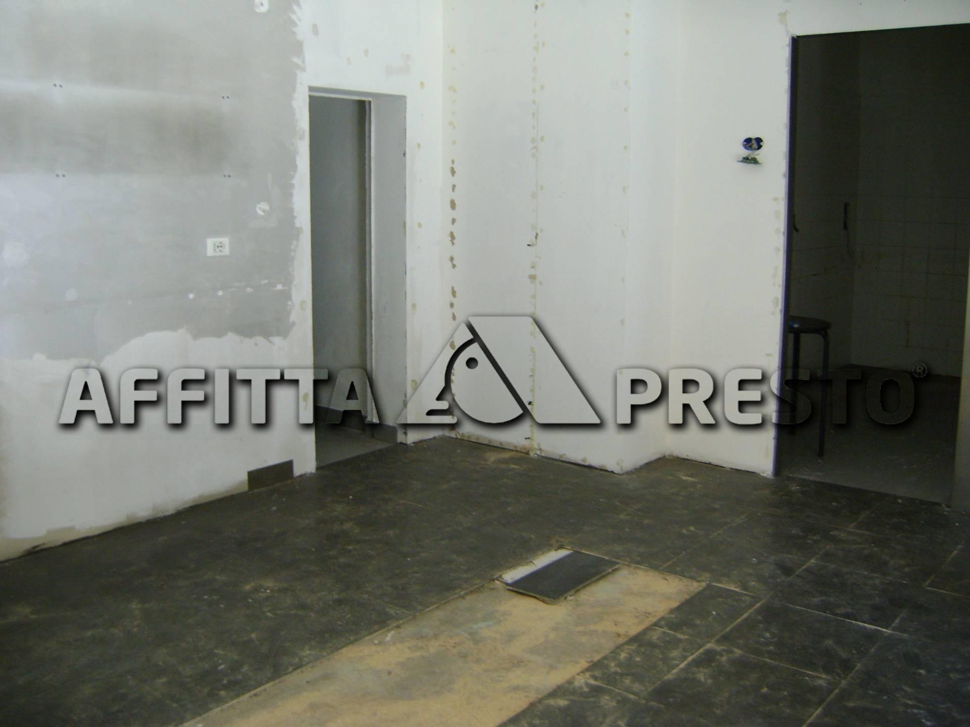 Attività / Licenza in affitto a Livorno, 9999 locali, zona Località: 20Settembre, prezzo € 950   Cambio Casa.it