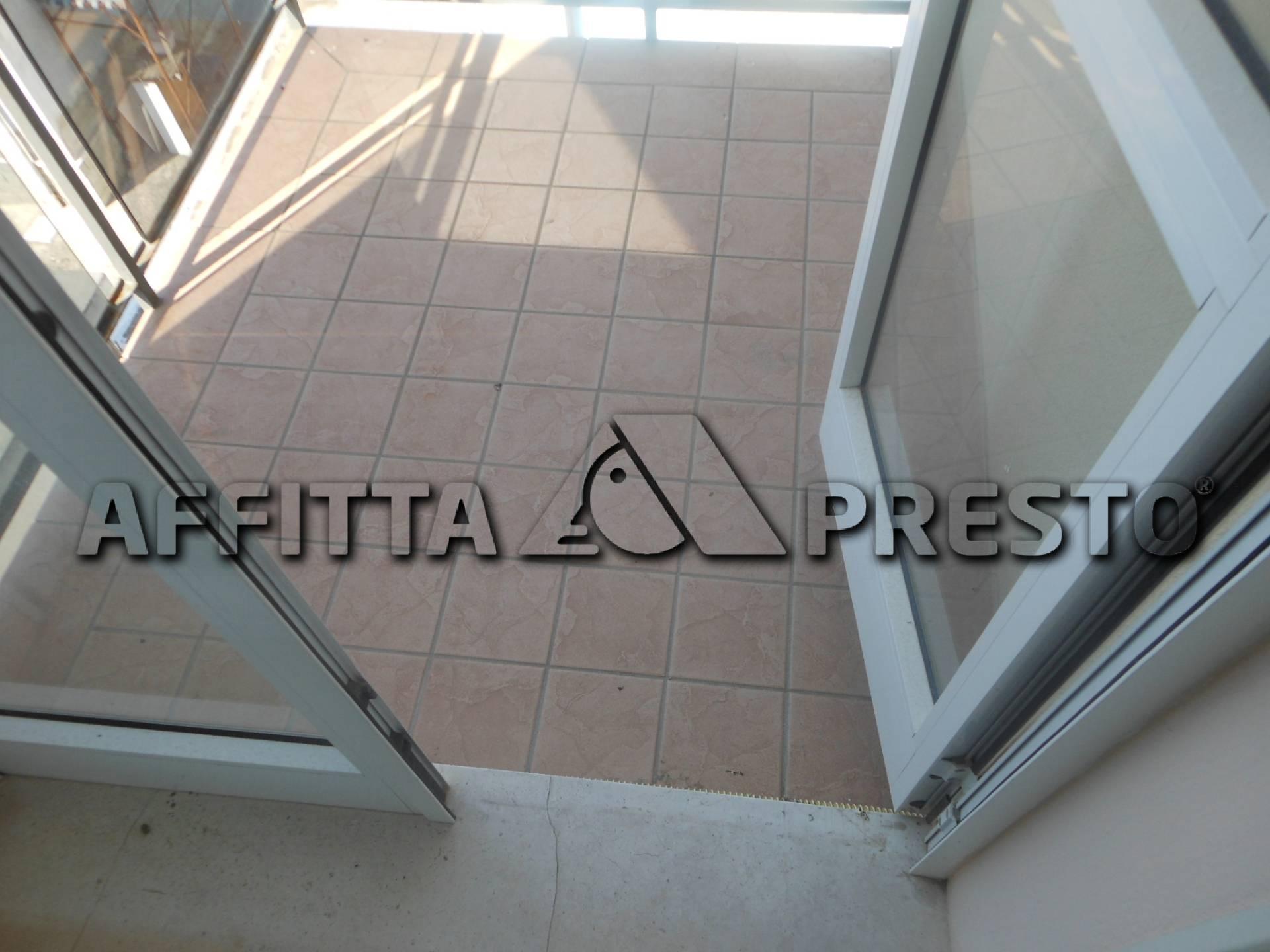 Bilocale Rimini Viale Piave 4