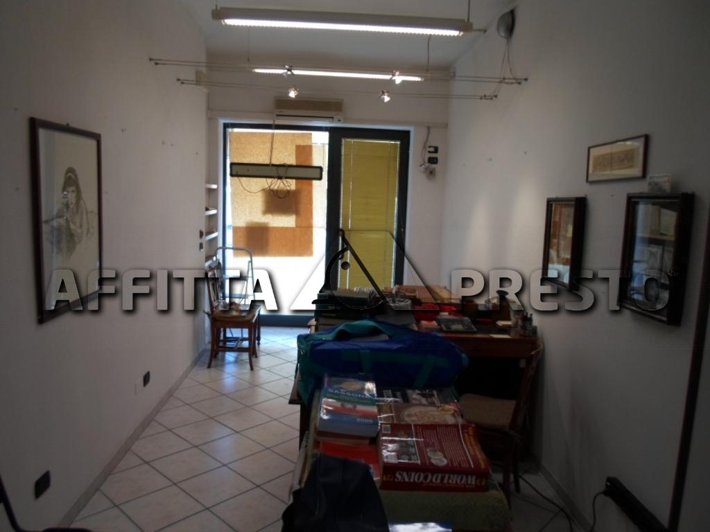 Negozio / Locale in affitto a Cesena, 9999 locali, zona Località: PonteNuovo, prezzo € 380 | Cambio Casa.it