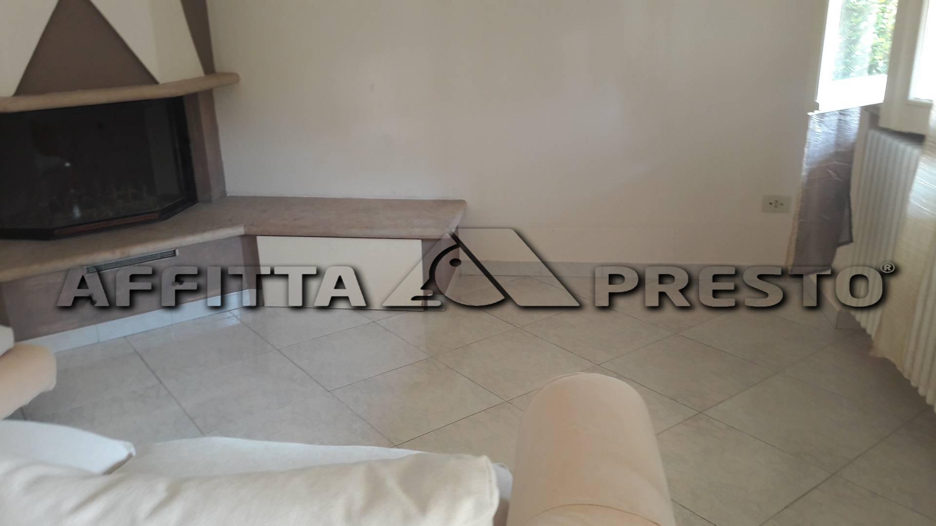Appartamento in affitto a Gambettola, 4 locali, zona Località: Gambettola, prezzo € 1.000 | Cambio Casa.it