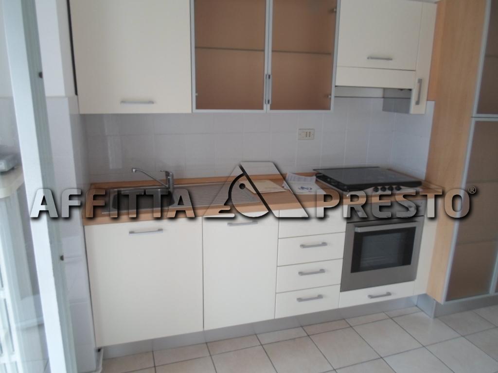 Appartamento in affitto a Cesena, 4 locali, zona Località: PonteNuovo, prezzo € 600   Cambio Casa.it
