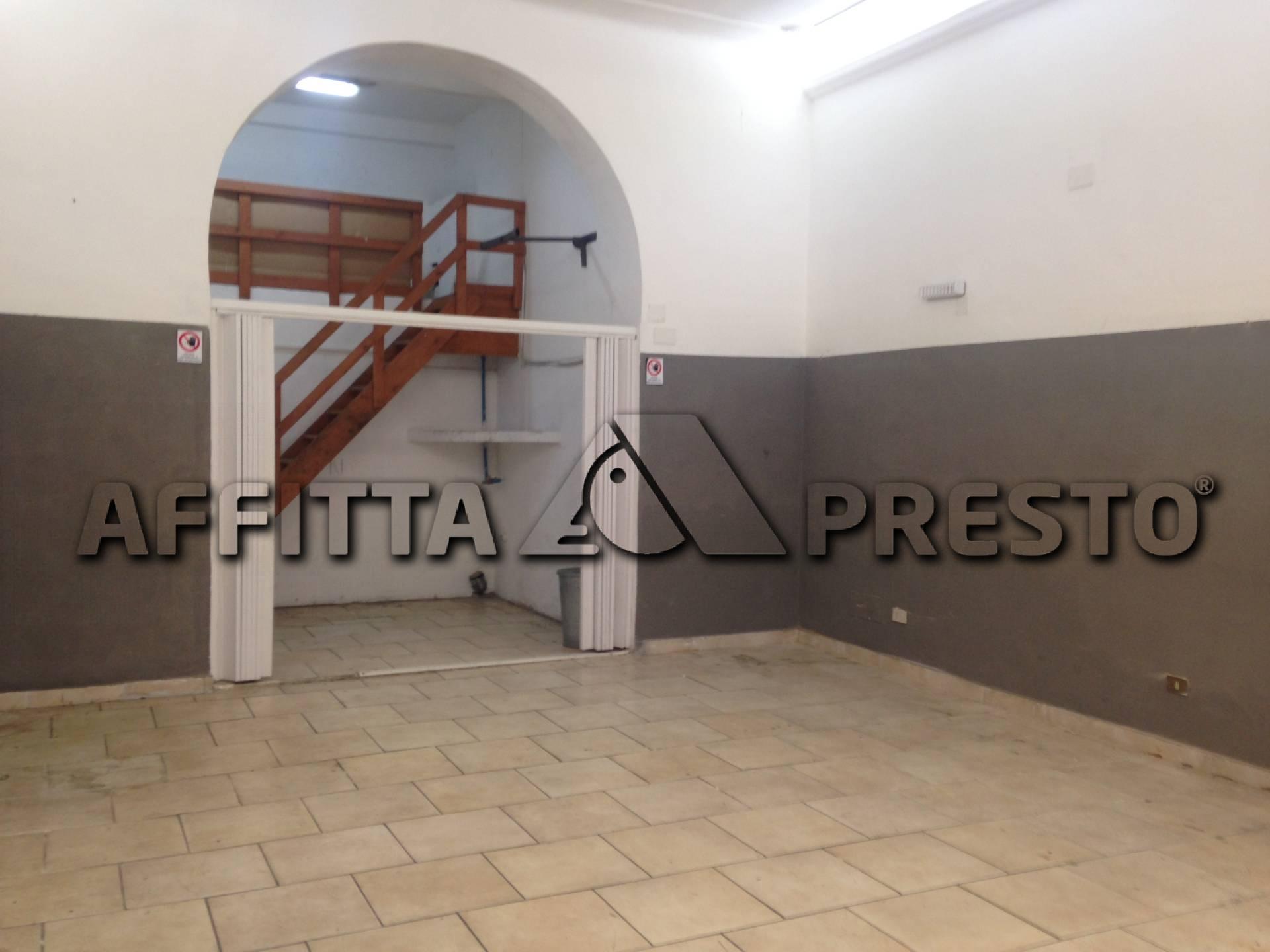 Attività / Licenza in affitto a Livorno, 9999 locali, zona Località: PortaaMare, prezzo € 450   Cambio Casa.it
