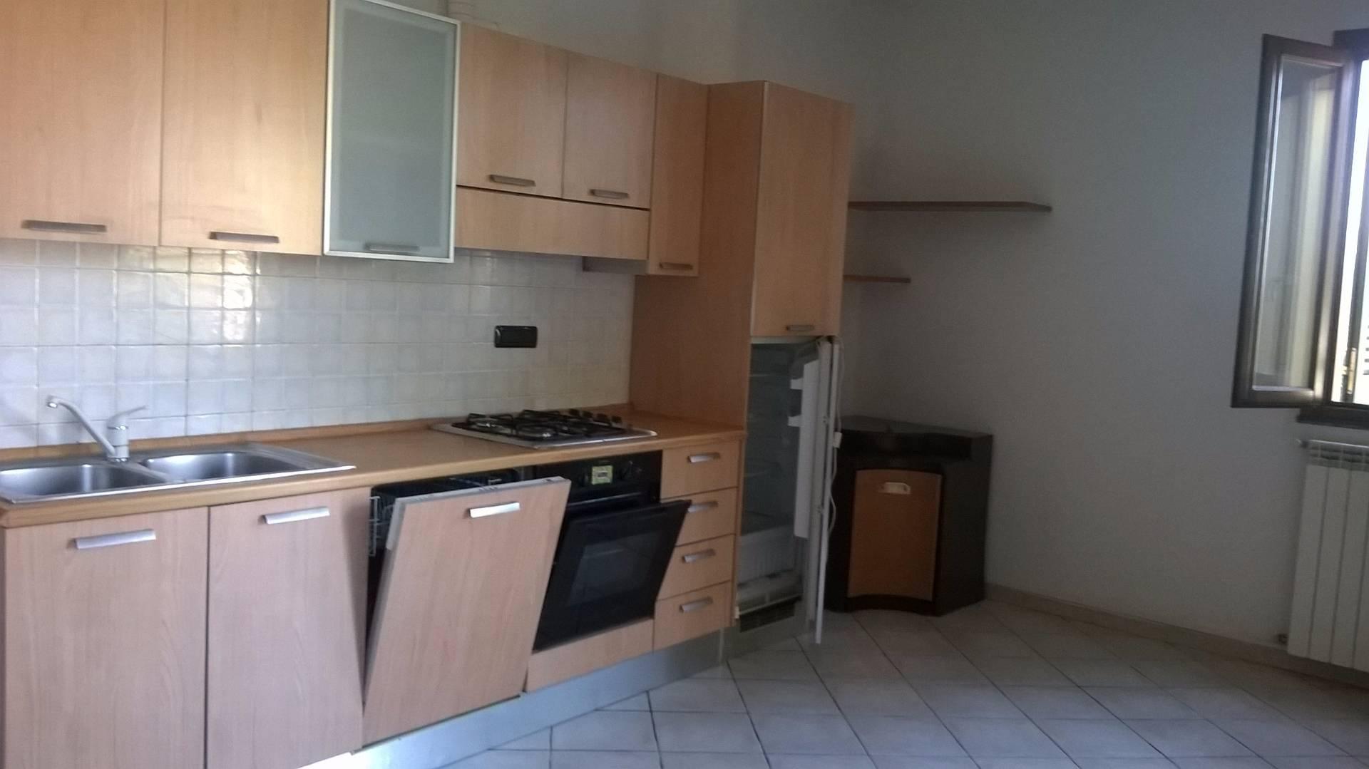 Appartamento in affitto a Montopoli in Val d'Arno, 1 locali, zona Zona: Capanne, prezzo € 350 | Cambio Casa.it
