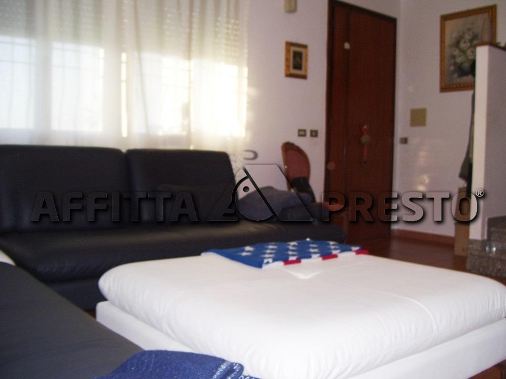 Villa in affitto a Ravenna, 5 locali, zona Località: SanPancrazio, prezzo € 600 | Cambio Casa.it
