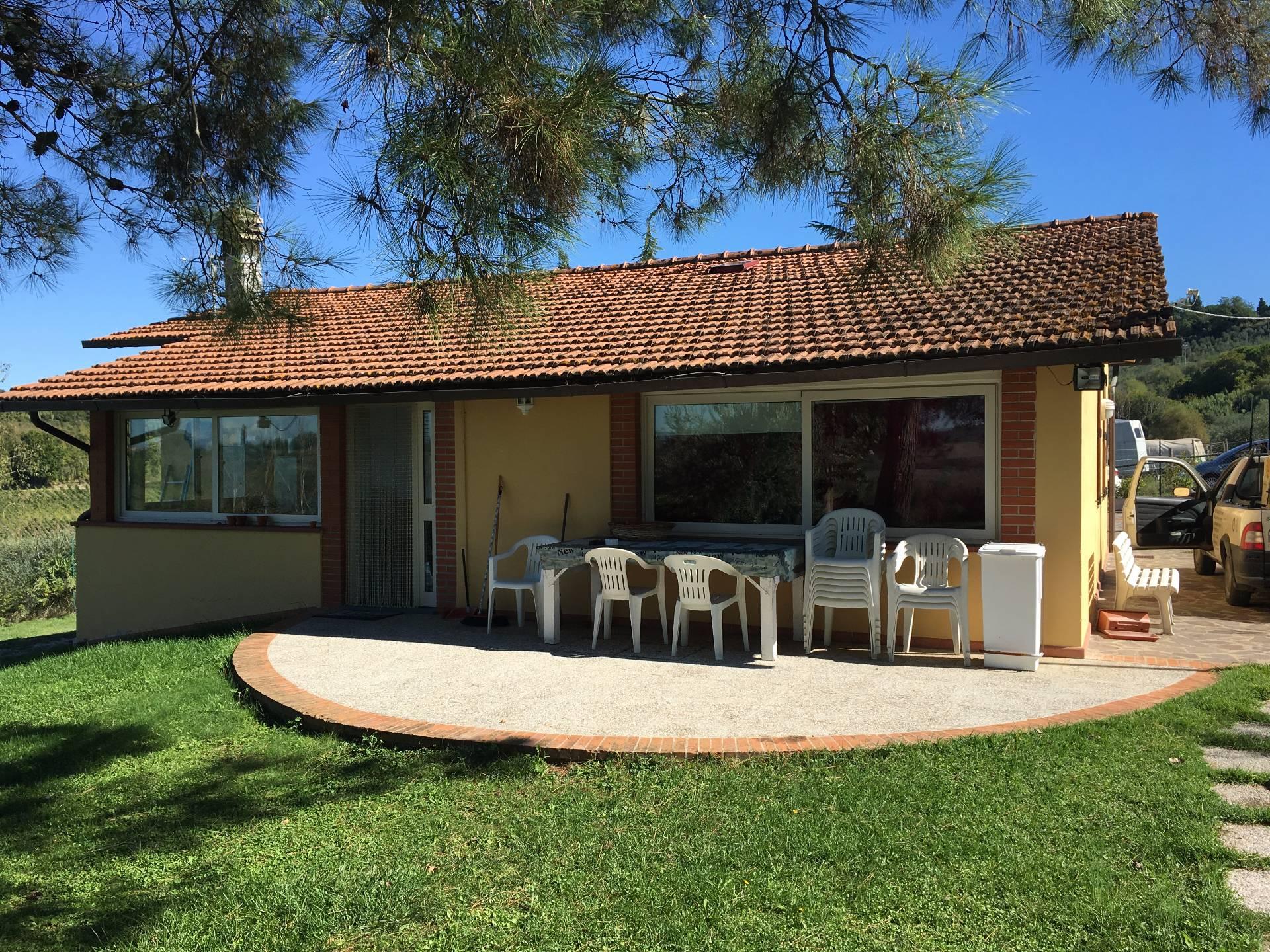 Soluzione Indipendente in affitto a Empoli, 4 locali, zona Zona: Monterappoli, prezzo € 850 | Cambio Casa.it