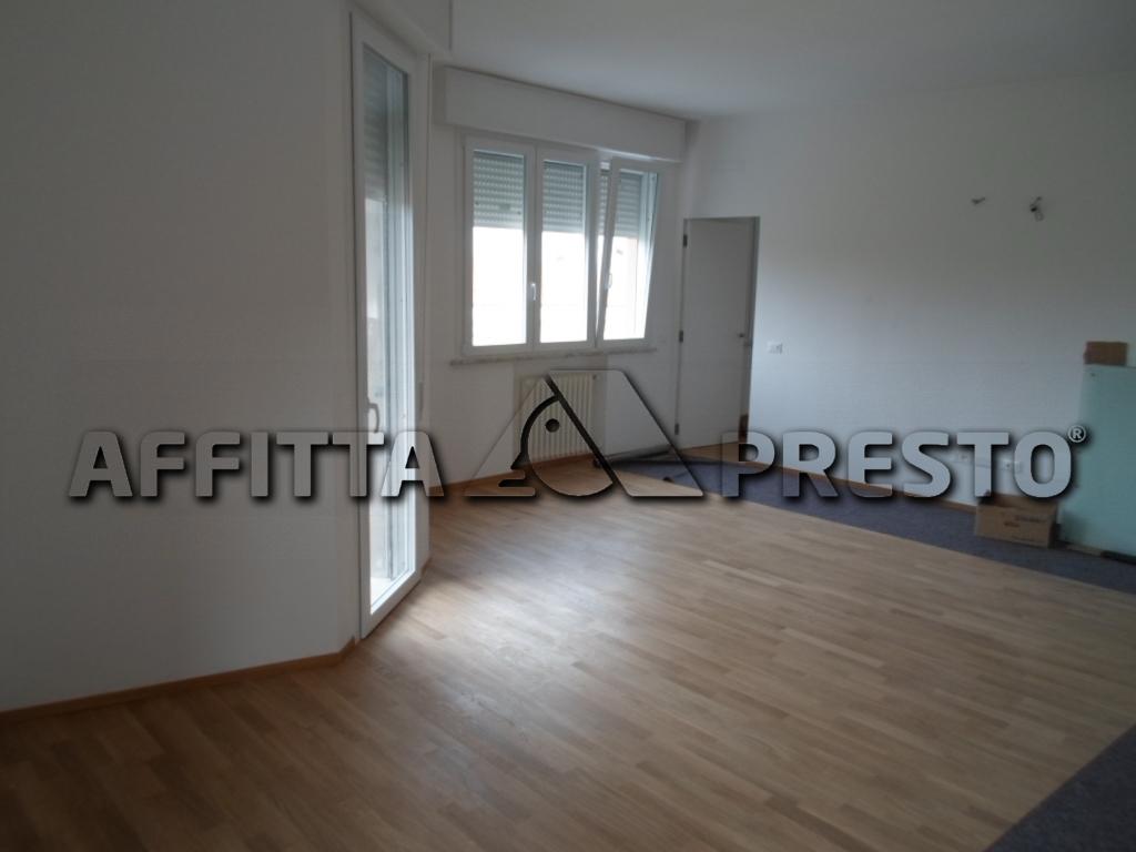 Appartamento in affitto a Cesena, 5 locali, zona Località: Barriera, prezzo € 700 | Cambio Casa.it