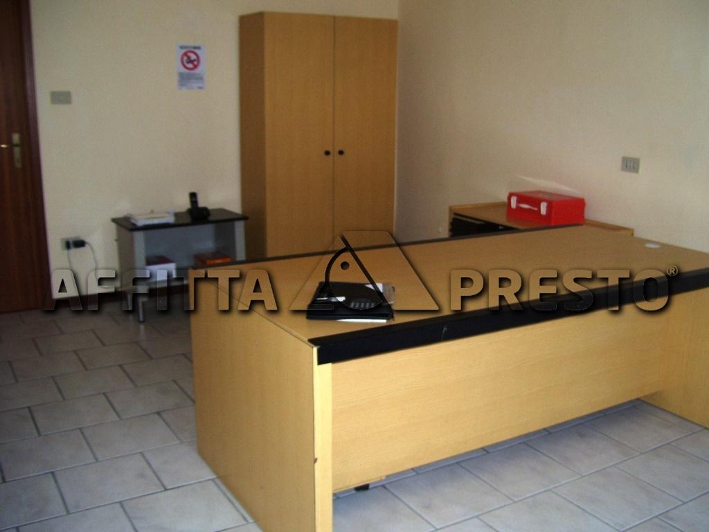 Negozio / Locale in affitto a Ravenna, 9999 locali, zona Località: Zalamella, prezzo € 350 | Cambio Casa.it