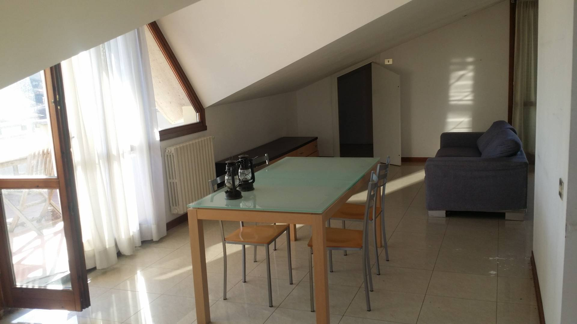 Attico / Mansarda in affitto a Empoli, 3 locali, zona Località: Pontorme, prezzo € 800 | Cambio Casa.it