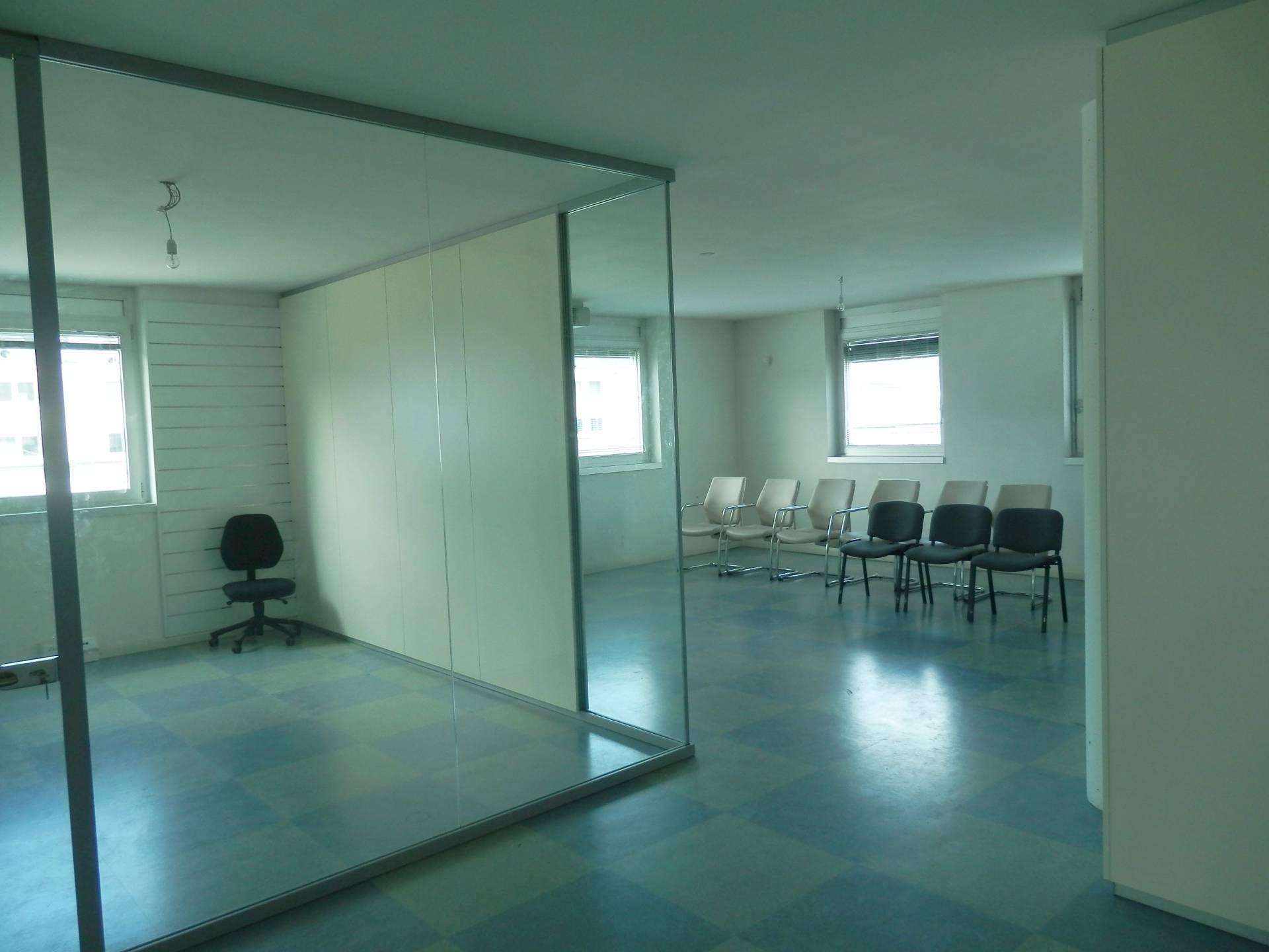 Ufficio / Studio in affitto a Bolzano, 9999 locali, zona Zona: Periferia, prezzo € 600 | Cambio Casa.it