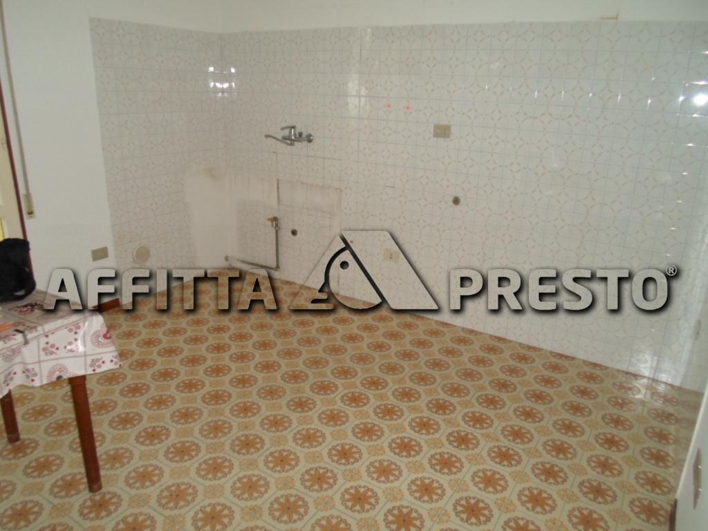 Appartamento in affitto a Cesena, 4 locali, zona Località: Ippodromo, prezzo € 550 | Cambio Casa.it