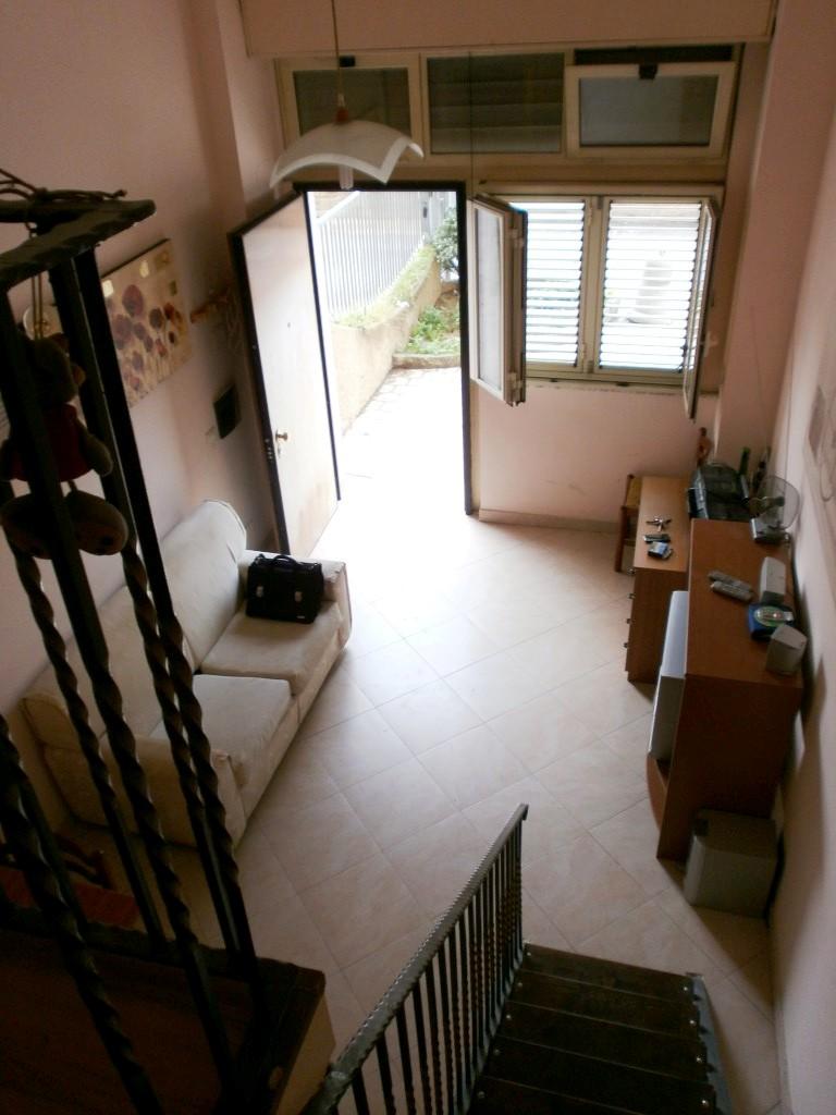 Soluzione Indipendente in affitto a Reggio Calabria, 2 locali, prezzo € 300 | Cambio Casa.it