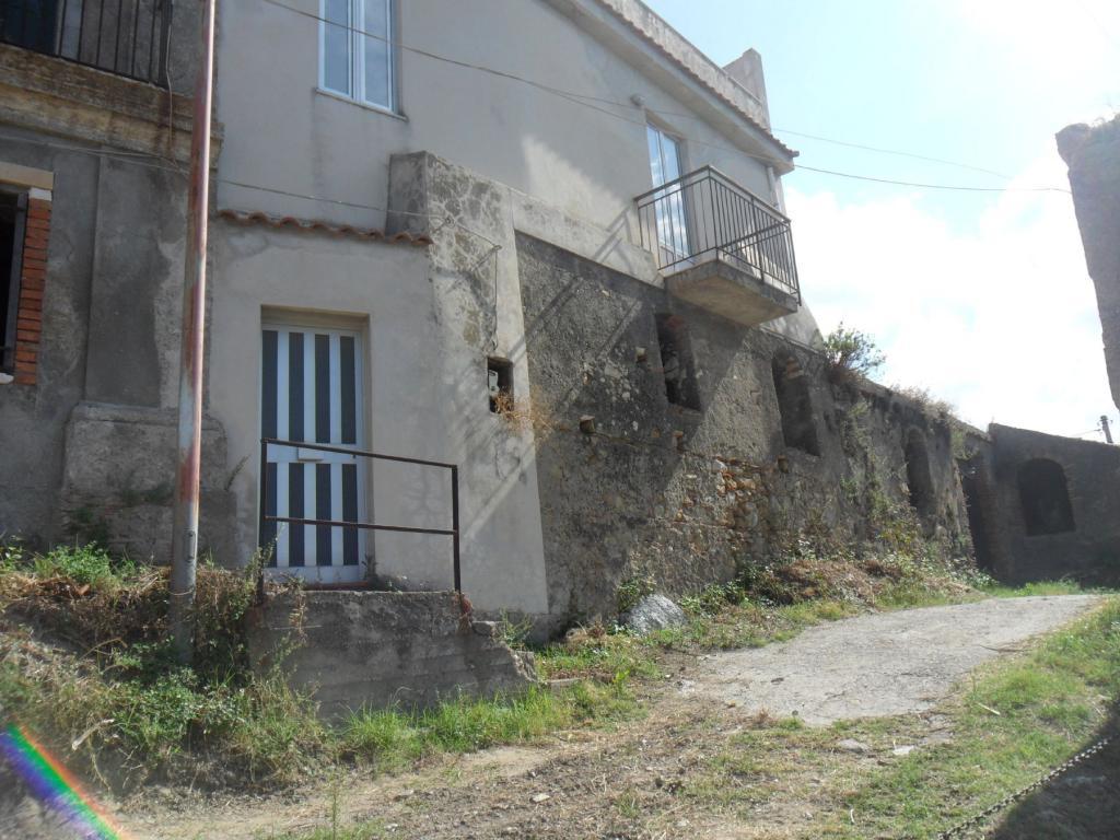 Bilocale Santa Lucia del Mela Via Serri 3