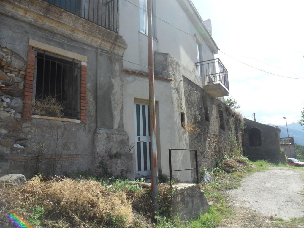 Bilocale Santa Lucia del Mela Via Serri 4